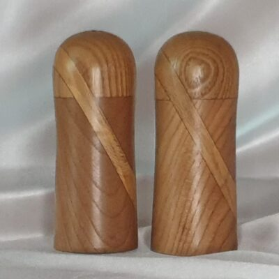 1 Ring Salt And Pepper Shaker